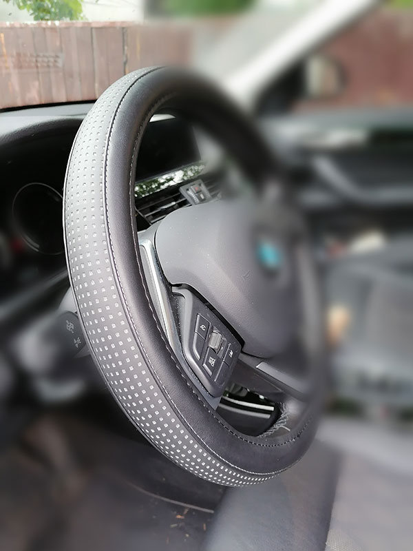 Navlake obloge volana za sva vozila (36cm do 50cm)